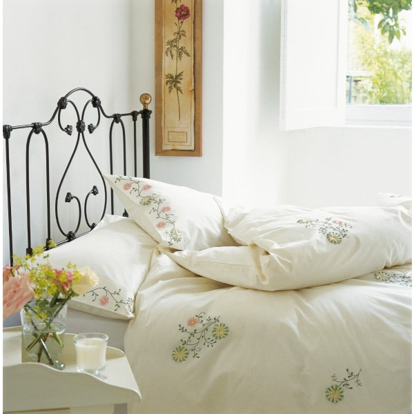 Daisy Ribbon Duvet Collection
