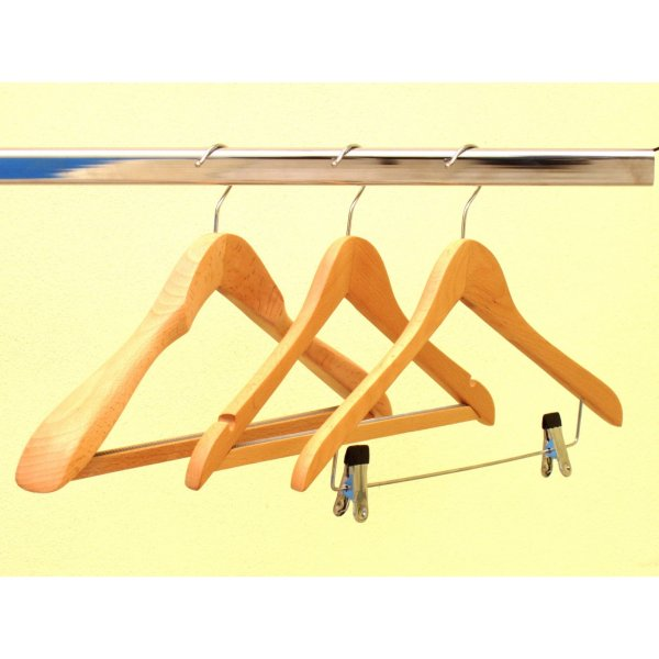44 cm wide shoulder suit/jacket hangers with non slip bar (set of 4)