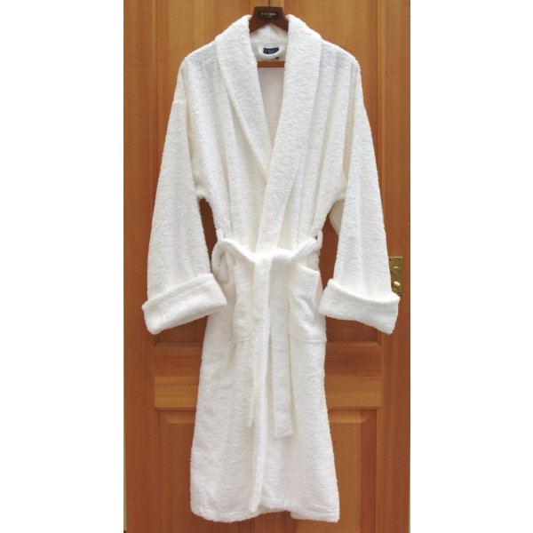 Luxury White Shawl Collar Bathrobe 450 gsm